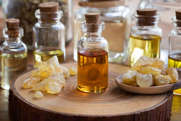 frankincense essential oil to be used in shea butter body cream and organic products